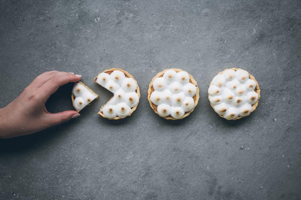 Zero waste lemon tart with aquafaba meringue | The Adagio Blog | Thais FK Photographer Recipe Developer & Content Creator | Valokuvaaja Ruokataiteilija & Sisällöntuottaja Thais FK