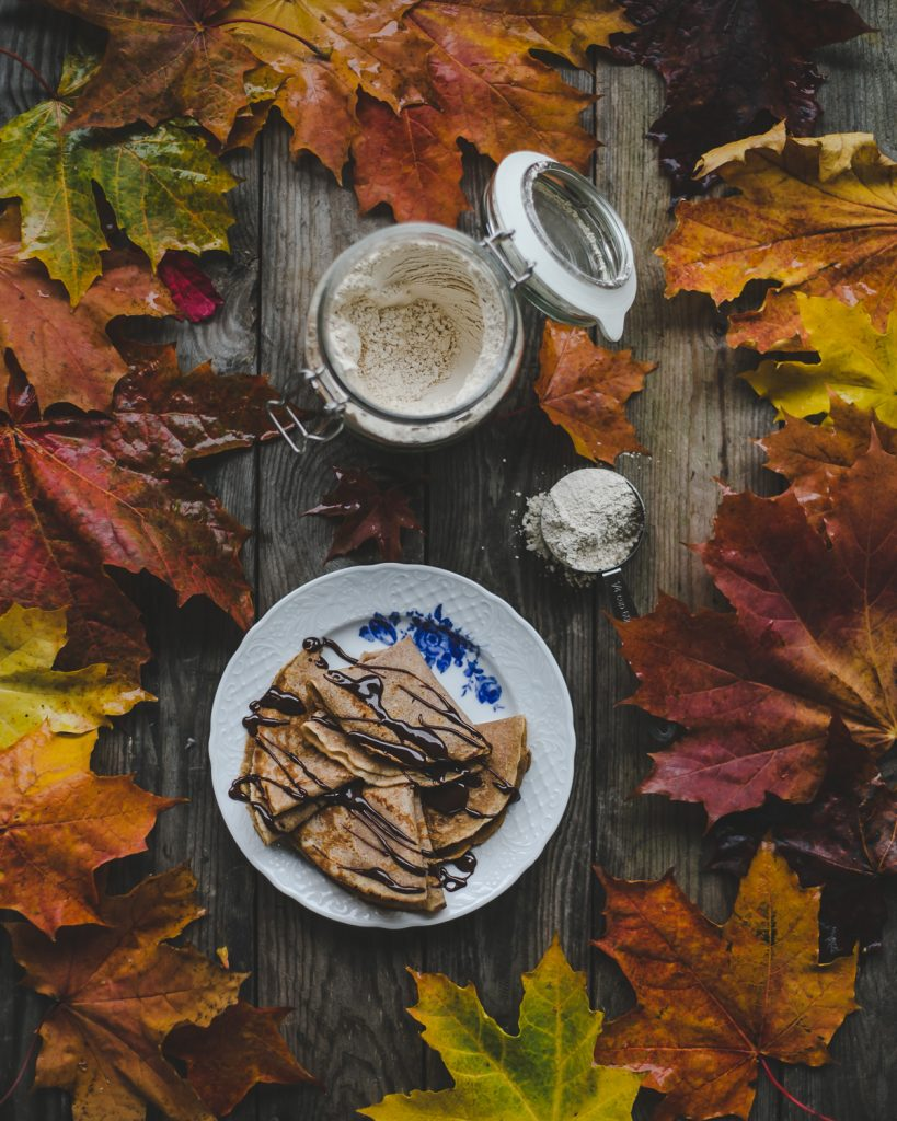 Thais FK Photographer Recipe Developer & Content Creator | Valokuvaaja Ruokataiteilija & Sisällöntuottaja Thais FK | Chestnut crepes | on Due fili d'erba | Two Blades of Grass | Photos, styling and recipe by Thais FK
